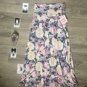 LuLaRoe    Floral Maxi Skirt   Size: Medium